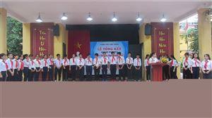 Nghẹn ngào trong lễ tổng kết năm học 2017-2018 của thầy trò trường THCS Láng Thượng